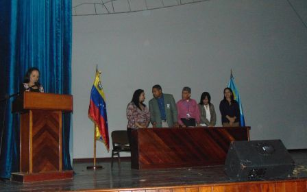En el marco del Día del Profesor se entregaron reconocimientos al personal