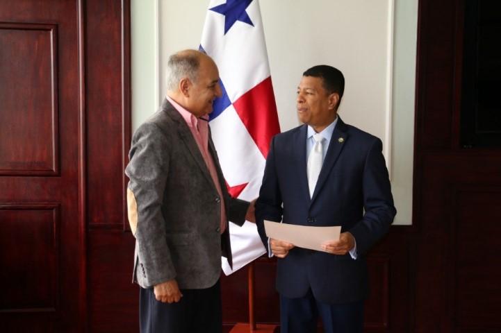 30 estudiantes de la UMC realizarán pasantías a bordo de buques de bandera Panameña
